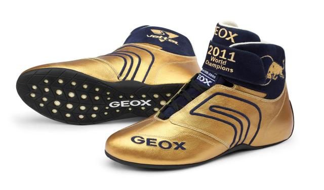Ventilar El propietario Timor Oriental  Geox says thank you to Red Bull with Golden Shoes | lacedinleather