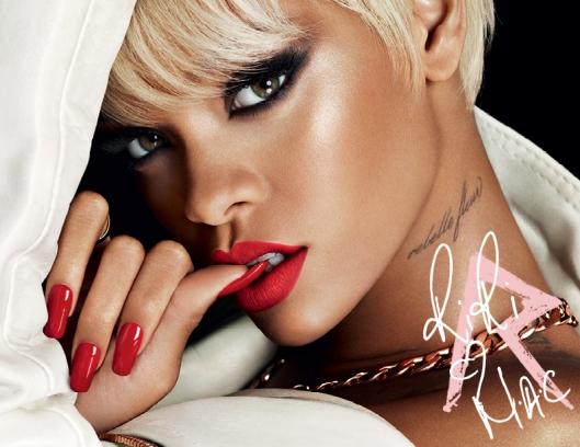RiRi-Holiday-Beauty-72-102113